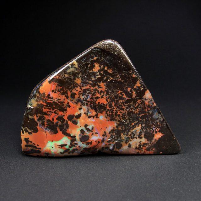 ボルダーオパール原石・標本を出品しました。
